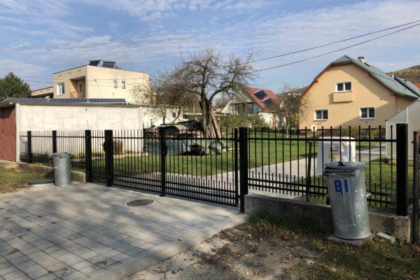 02. Kovaný plot